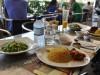 Arabisches Mittagessen im Bikerscafe