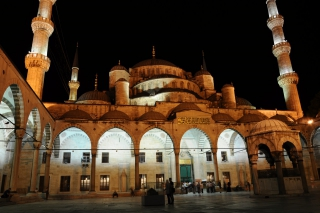 Nightshot of the Blue Mosque